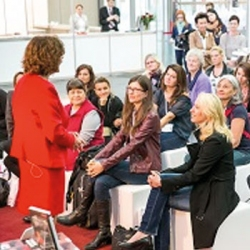 WOMAN POWER in Wien: Meet the author!